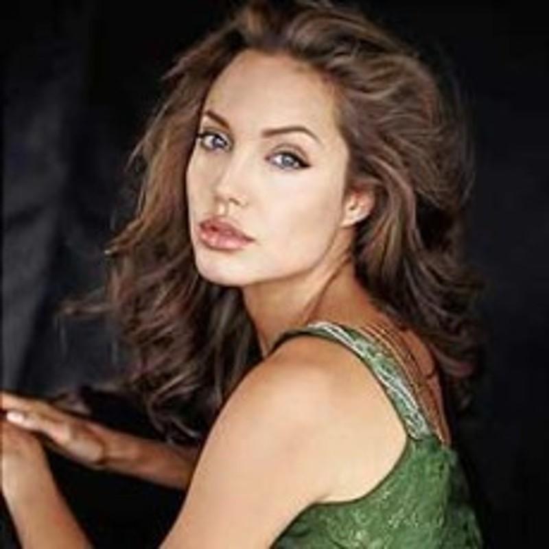 Angelina-Jolie-Non-ho-niente-di-rifatto-