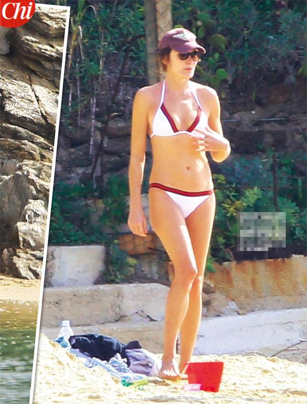 Carla Bruni, sexy ex first lady… fuori stagione