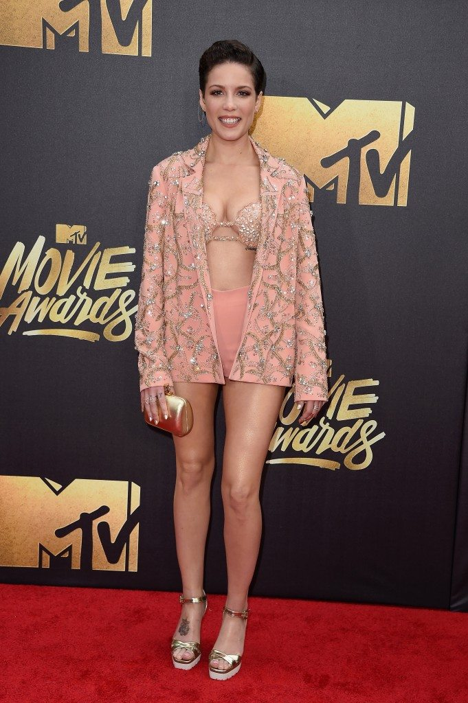 Halsey-mtv-movie-awards-681x1024