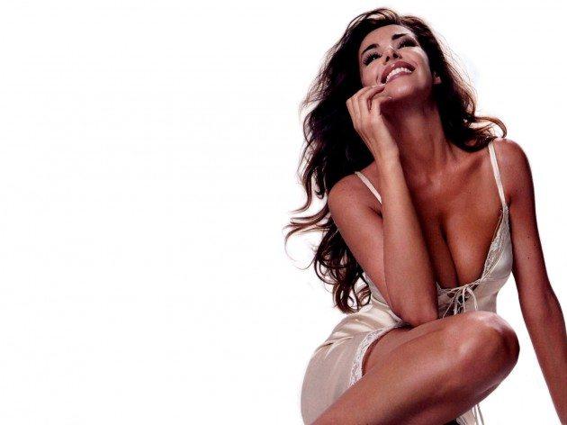 """Emanuela Folliero, possibile addio a Mediaset: """"Le hanno offerto un posto clamoroso"""""""