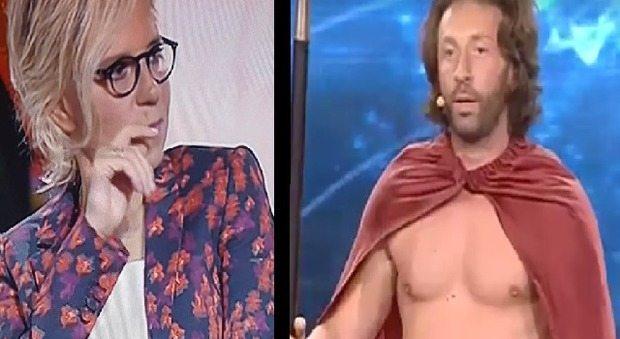 """Maria De Filippi perde la pazienza con il concorrente di """"Tu si que vales"""": """"Sei un ciarlatano"""""""