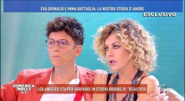 Eva Grimaldi e Imma Battaglia in lacrime da Barbara D Urso Quella telefonata_21184948