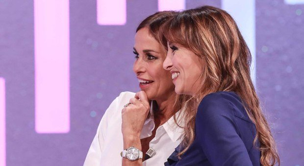 Stefano Colarieti / LaPresse Spettacolo Roma, 15.10.2017, Studi Rai di Cinecittà, prima puntata della trasmissione 'Domanica In' nella foto: Benedetta Parodi, Cristina Parodi Foto Stefano Colarieti / LaPresse Spettacolo Roma, 15.10. 2017, Rai studios of Cinecittà, first episode of the broadcast 'Sunday In' in the picture: Benedetta Parodi, Cristina Parodi