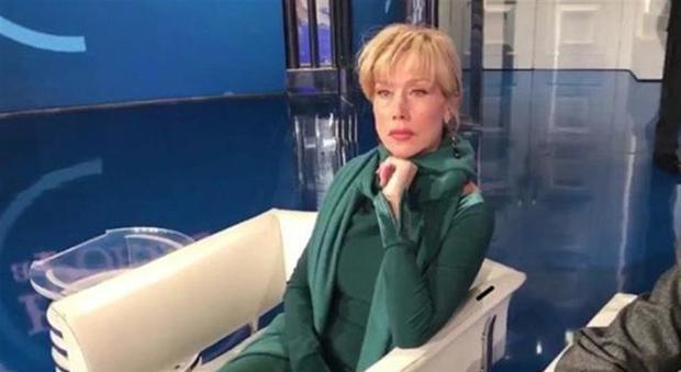 """Nancy Brilli a Porta a Porta: """"Quel produttore ha il ca... più ciucciato d'Italia"""""""