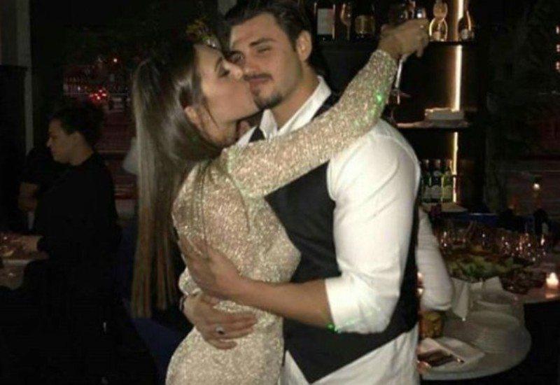 Cecilia tra le braccia di Francesco dopo l'eliminazione: la foto in rete fa impazzire i fan