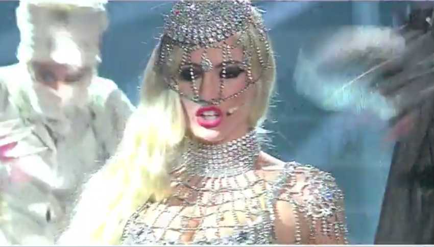 lady-gaga-alessia-macari-tale-e-quale-show_12121208